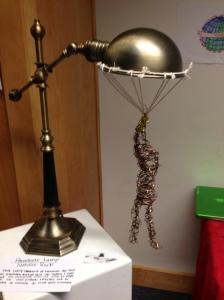 student created a parachute lamp to represent Leonardo da Vinci's inventions